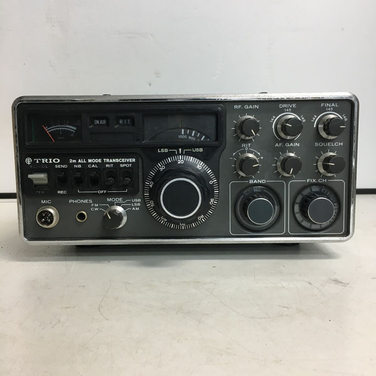 E066 TRIO トリオ TS-700 トランシーバー アマチュア無線機/本体のみ ジャンク品_画像1