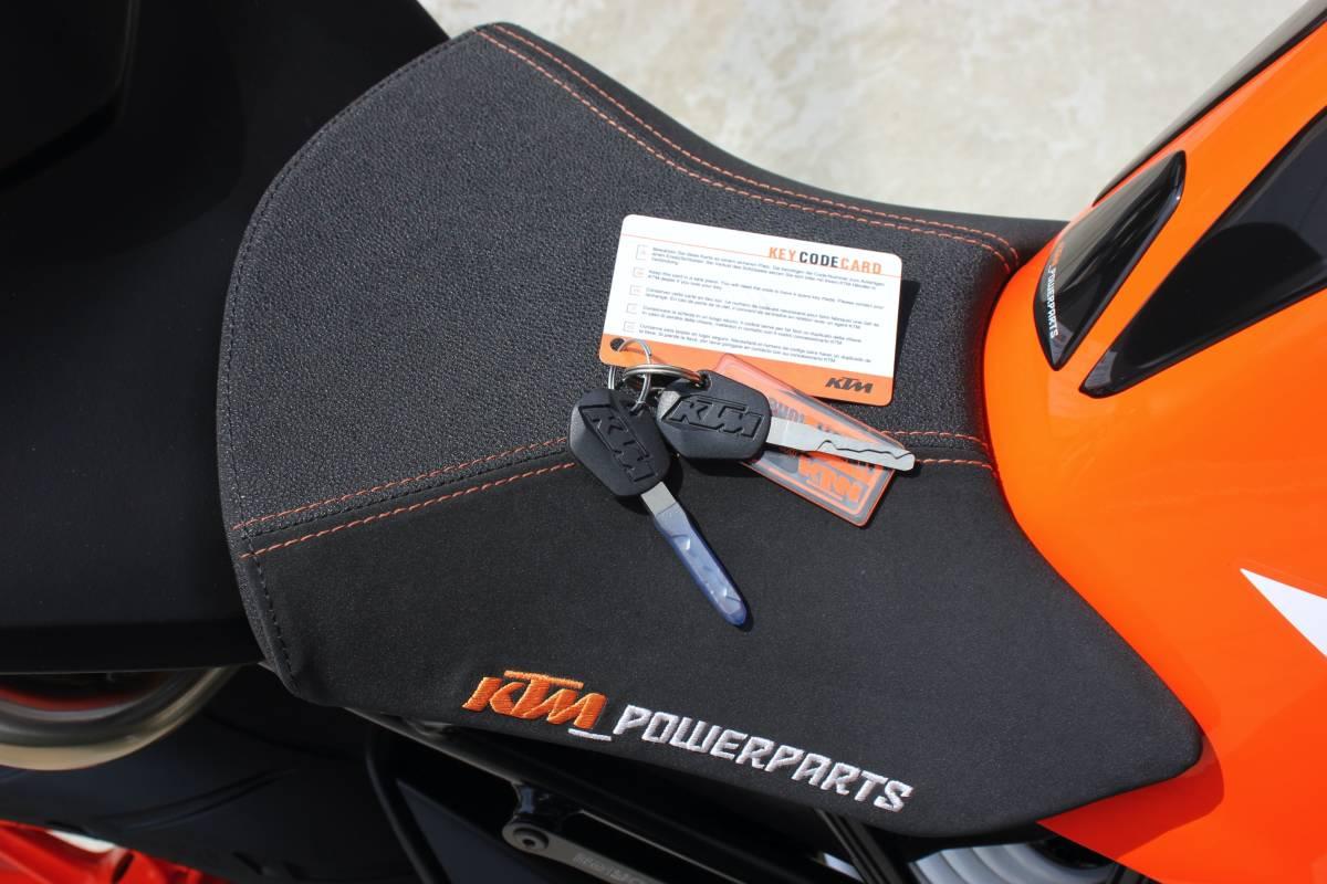 ●配送料0円企画!!★ KTM RC250 ★低走行3362km★ヨシムラ RS-9 カーボンマフラー装着 !!★250cc (検 SS スーパースポーツ CBR250RRZX-25R_画像9