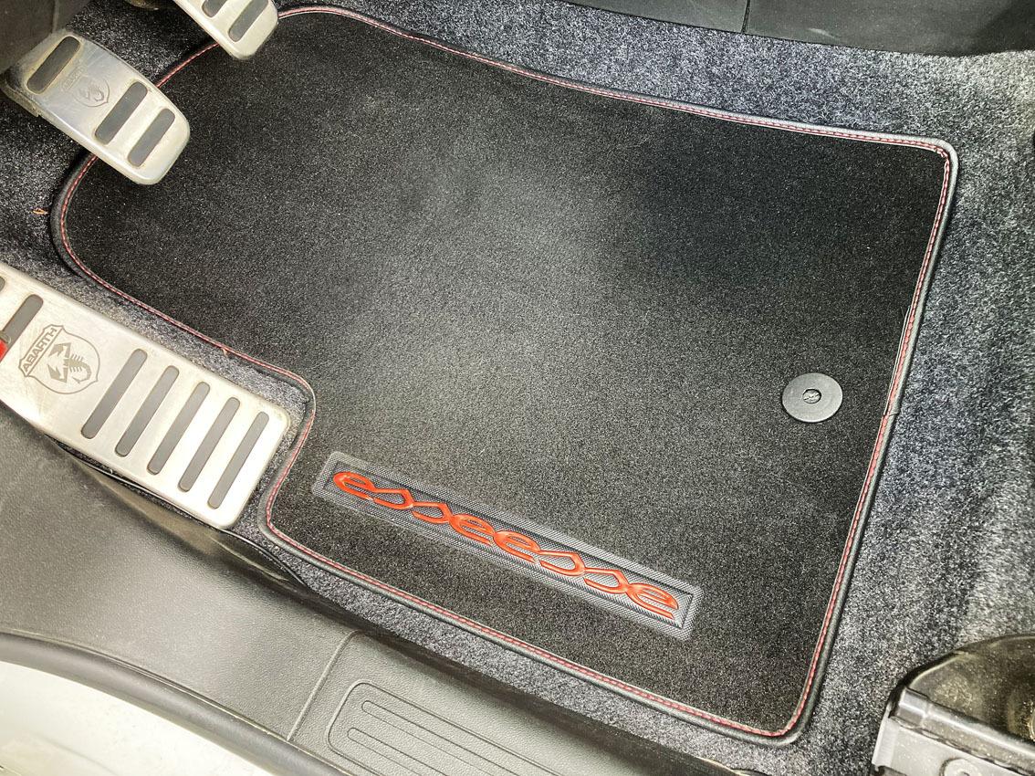 アバルト500|本国エッセエッセキット160HP仕様|レコモンマフラー|サベルトシート|アバルト17インチホイール|左H|低走行で程度良_画像8