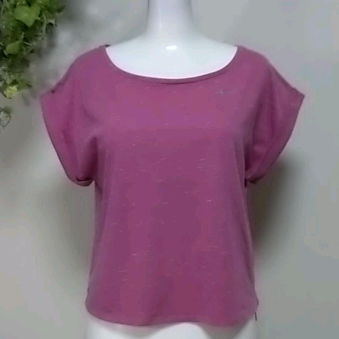 ナイキランニング半袖TシャツM 霜降ピンクがおしゃれ! 高機能DRY-FITでサラっと快適 スポーツブラとNIKE RUNNING