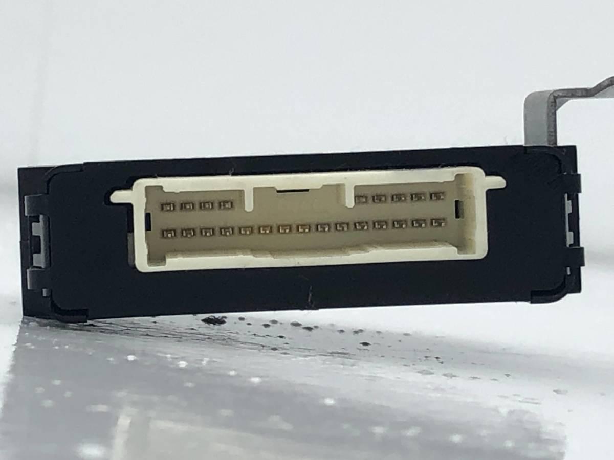 _b65824 ダイハツ タント カスタムRS CBA-L375S ヘッドライト ランプ レベリング コンピューター 89960-B2290 L385S_画像2