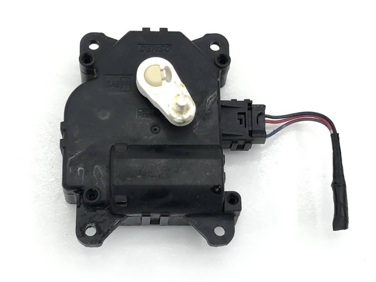 _b65824 ダイハツ タント カスタムRS CBA-L375S エアコンサーボ モーター (3) 113800-2830 L385S_画像2