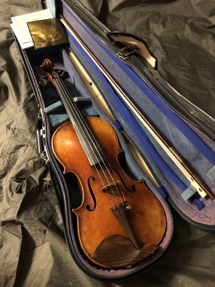 アンティークなバイオリン