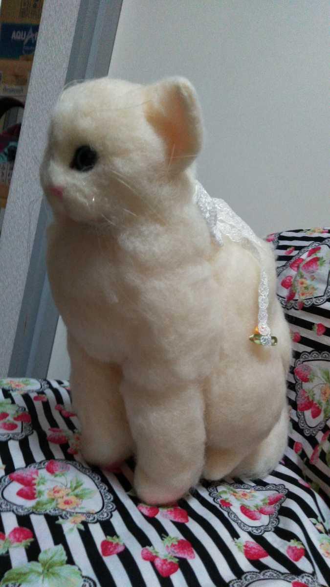羊毛フェルト猫 ハンドメイド _ムチムチボディがたまりません