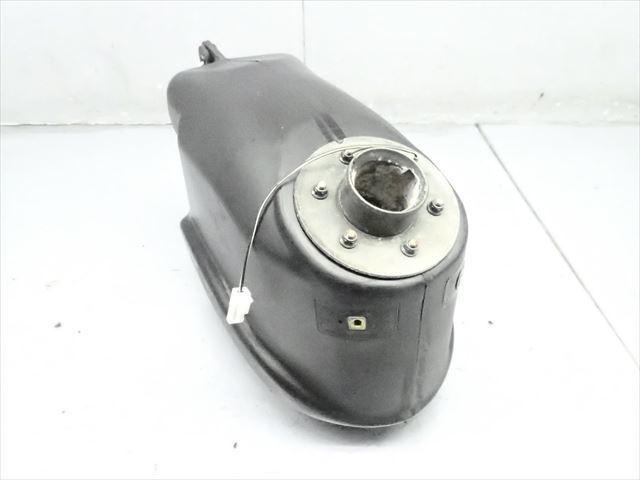 βCP07-4 スズキ ストリートマジック TR50 CA1LA (H9年式) 燃料 タンク フューエルタンク 破損無し!_画像1