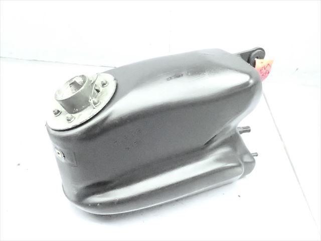 βCP07-4 スズキ ストリートマジック TR50 CA1LA (H9年式) 燃料 タンク フューエルタンク 破損無し!_画像2