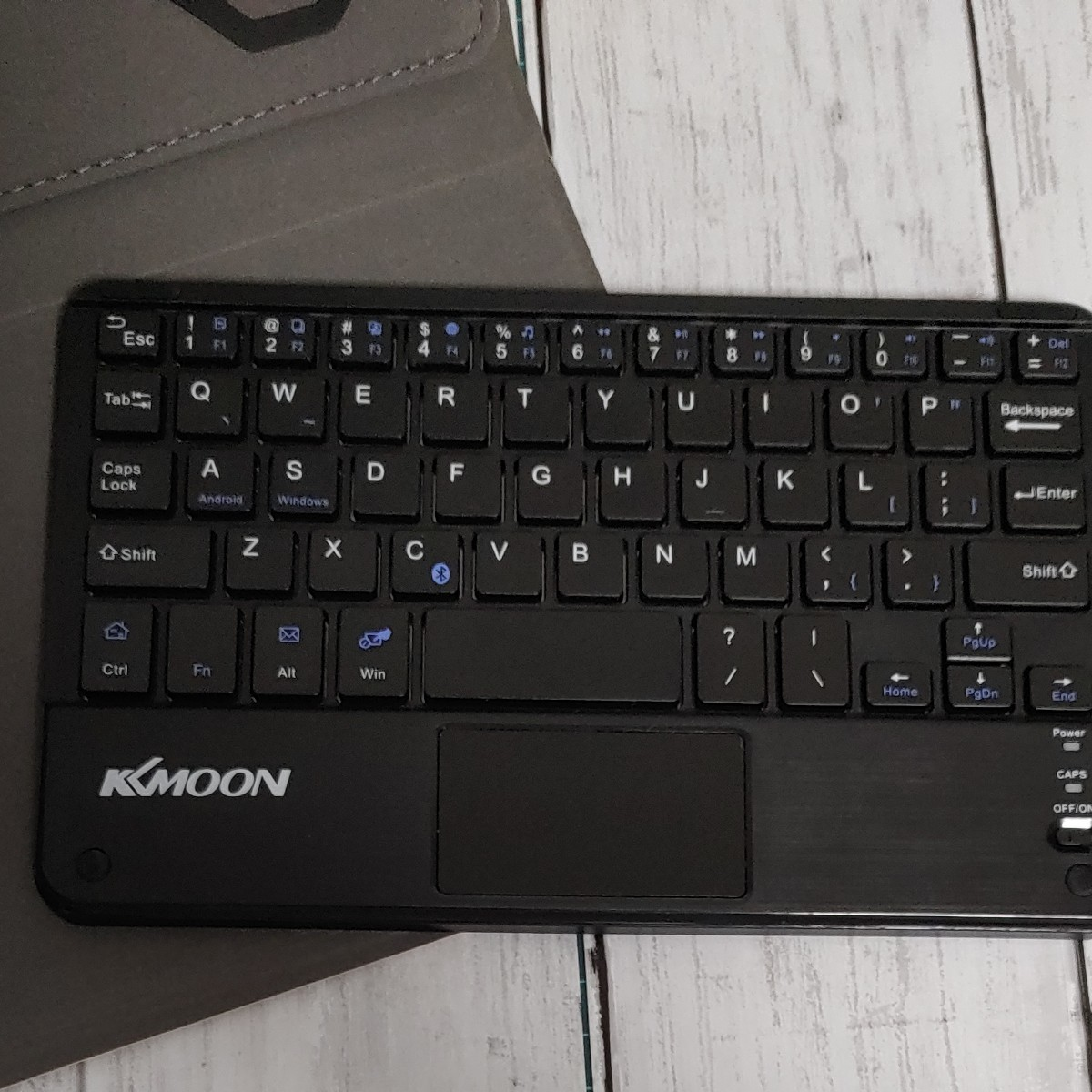 ワイヤレスキーボード 折りたたみ磁気PUレザーケース付き KKmoon 59キー
