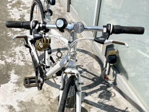 GIANT(ジャイアント)ESCAPE ☆クロスバイク アルミフレームR3 24段シマノ変速ギア搭載_画像3