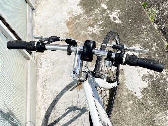 GIANT(ジャイアント)ESCAPE ☆クロスバイク アルミフレームR3 24段シマノ変速ギア搭載_画像4