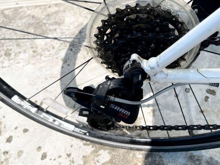 GIANT(ジャイアント)ESCAPE ☆クロスバイク アルミフレームR3 24段シマノ変速ギア搭載_画像6