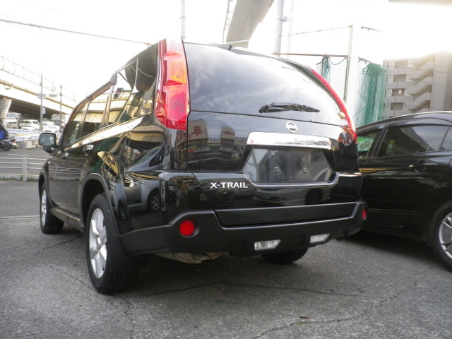 「返金保証付:エクストレイル 2.0 20Xtt 4WD サンルーフ 1オーナー 禁煙車 HDDナビ 全席シートヒーター キセノン アルミ@車選びドットコム」の画像3