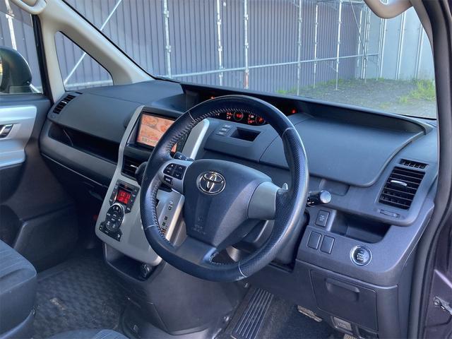 「まずはお気軽にお電話を! 平成22年 トヨタ ヴォクシー 2.0 ZS 煌 4WD 両側電動スライドドア ナビ@車選びドットコム」の画像2