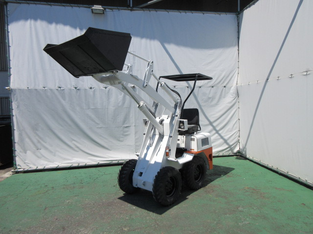 「コマツ ホイールローダー SK04 ボブショベル タイヤショベル サビ止め塗装済み 除雪 運搬 688H ビジネスローンOK@車選びドットコム」の画像3