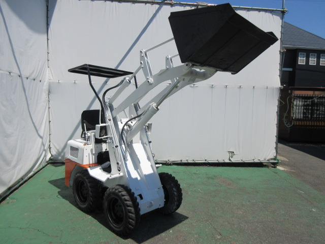 「コマツ ホイールローダー SK04 ボブショベル タイヤショベル サビ止め塗装済み 除雪 運搬 688H ビジネスローンOK@車選びドットコム」の画像1