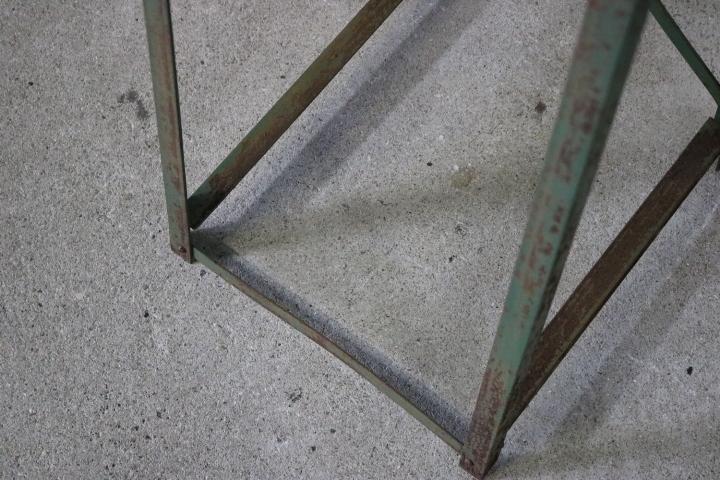 TB526ビンテージ 鉄脚 1対と板のセット◇天板/枯れ木/木味/錆味/テーブル/DIY/リメイク/鉄足/飾り台/家具/古道具タグボート_画像8