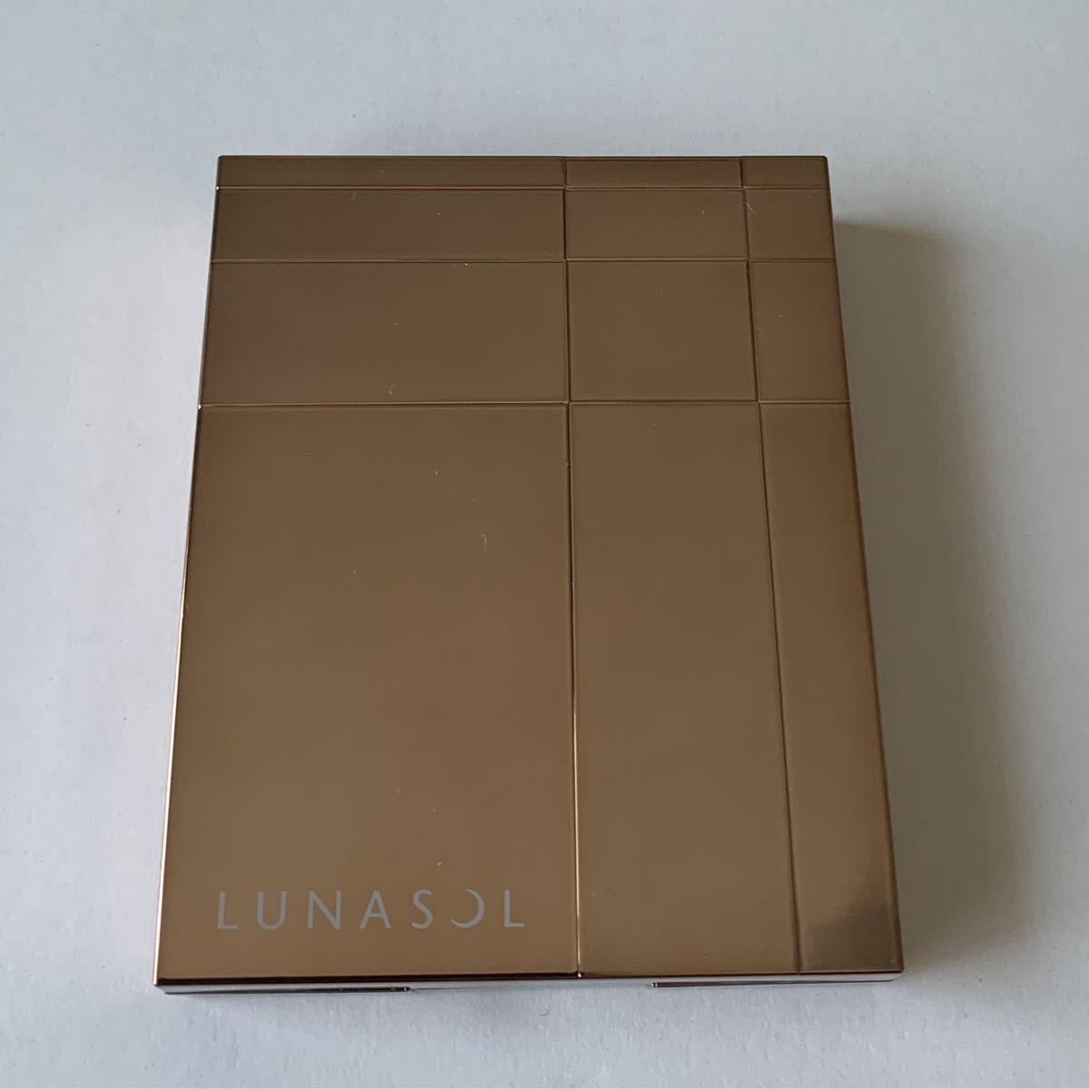 ルナソルアイシャドウ セレクションドゥショコラアイズ 01