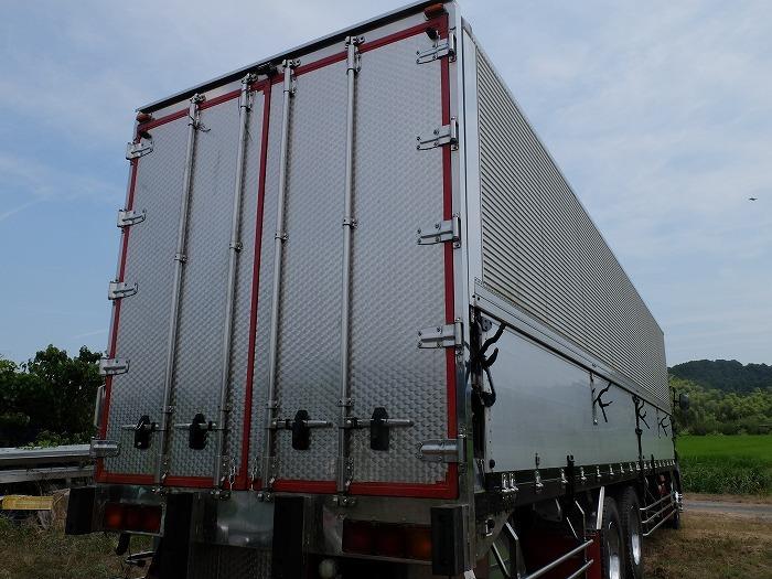 「日野グランドプロフィア 25tアルミウィング リヤエアサス 3軸 2デフ 10mボディ ショートキャブ NOX/PM適合 H19年 7速 中古トラック 大型」の画像3