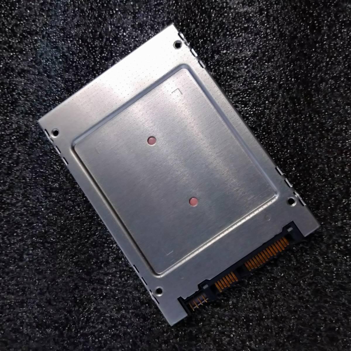 【ほぼ未使用】TOSHIBA 2.5インチ SATA SSD 256GB THNSFJ256GCSU