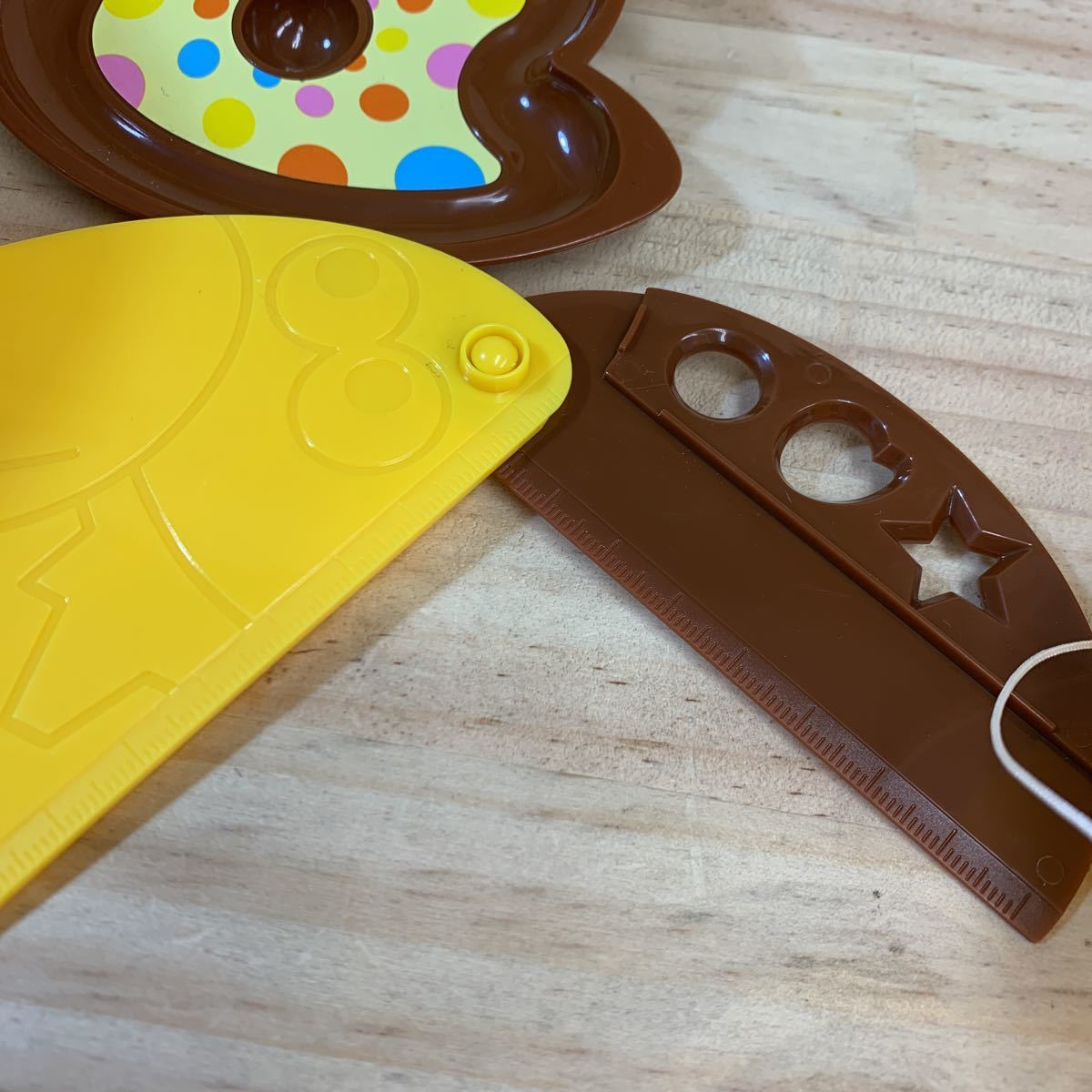 4N8728-5 しゃべる 金のキョロちゃん缶 森永チョコボール おもちゃのカンヅメ_画像9