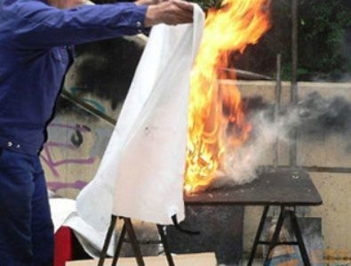 BBQ 焚き火シート (中) 耐火シート 防火シート スパッタシート ソロキャンプ キャンプ 耐火 防火 シート アウトドア バーベキュー