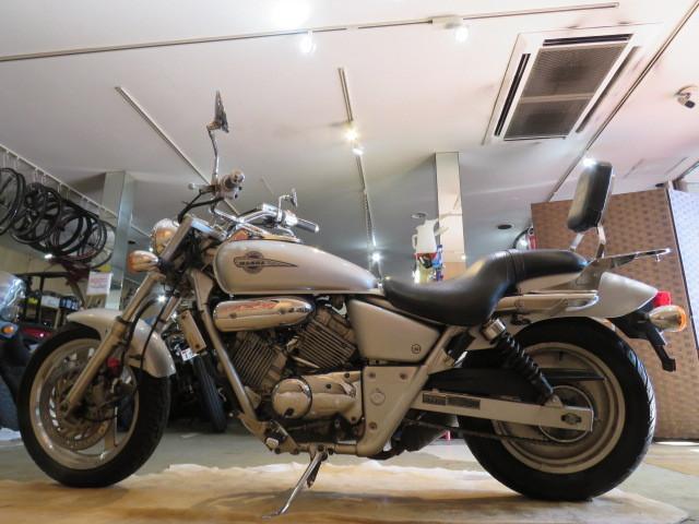 「□HONDA V-TWIN MAGNA 250 MC29 ホンダ Vツィン マグナ250 250cc 18838km シルバー 実動! バイク 札幌発」の画像2