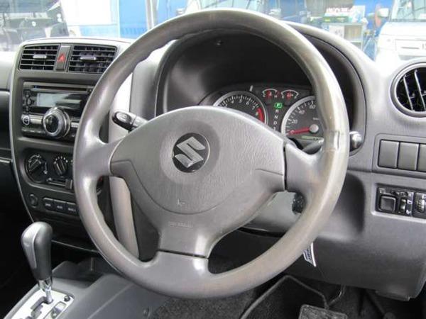 「ジムニー 660 クロスアドベンチャー XC 4WD 本革シート パートタイム4WD」の画像3