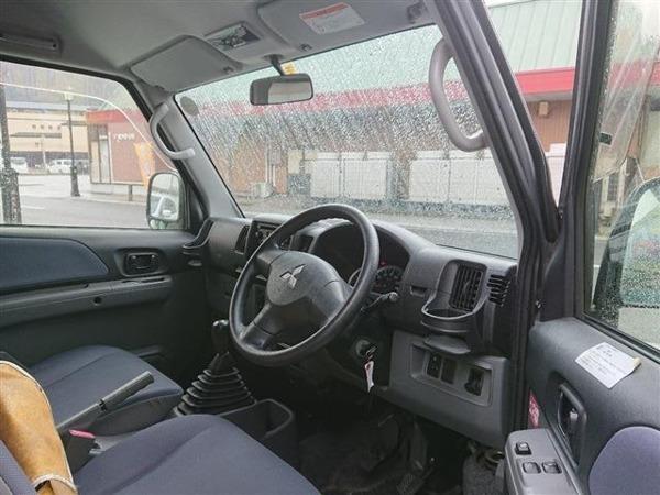 「ミニキャブバン 660 ブラボー ハイルーフ 4WD 5MT」の画像2