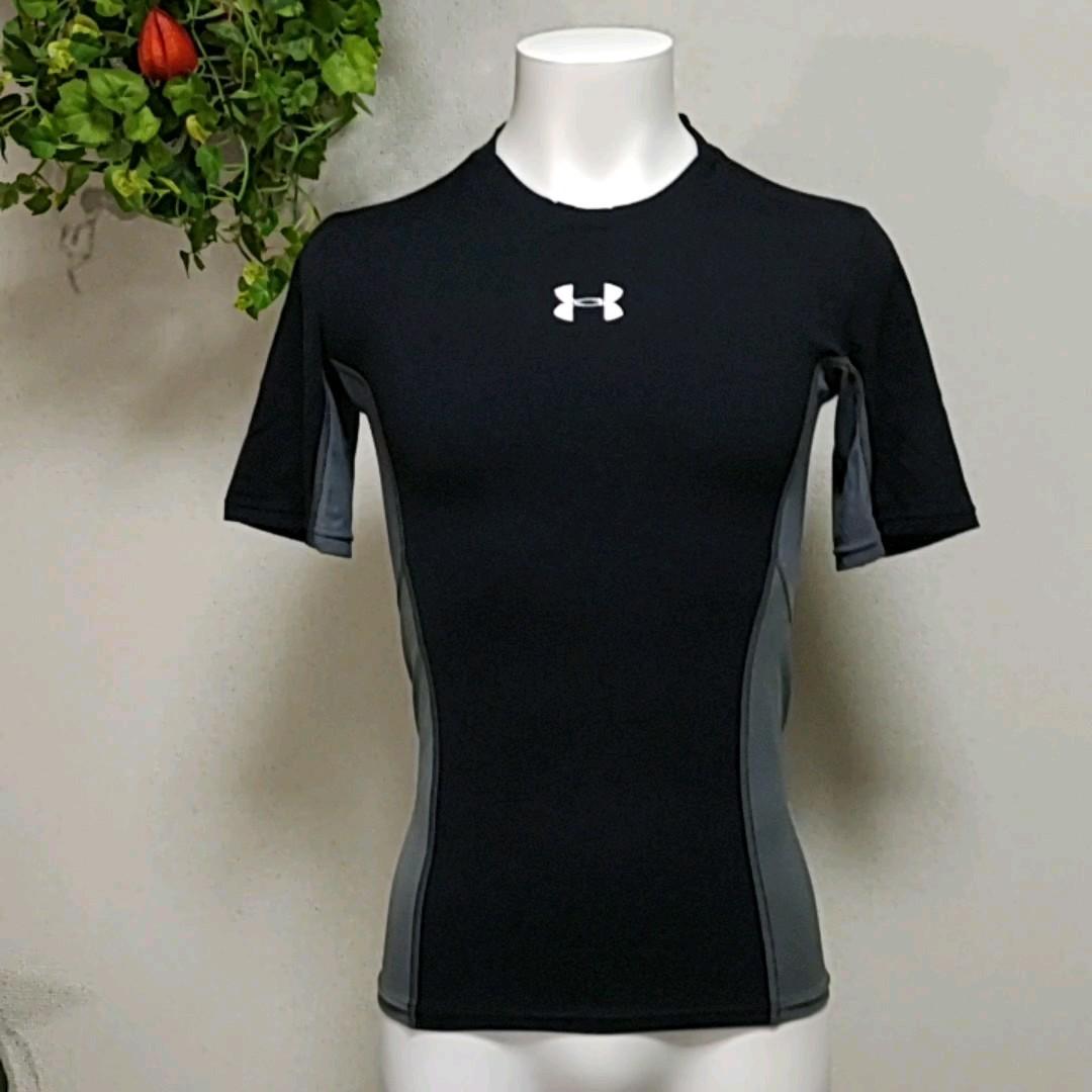 アンダーアーマー半袖コンプレッションシャツLG 黒に2種グレー切替えがおしゃれで機能的デザイン  UNDER ARMOURインナー
