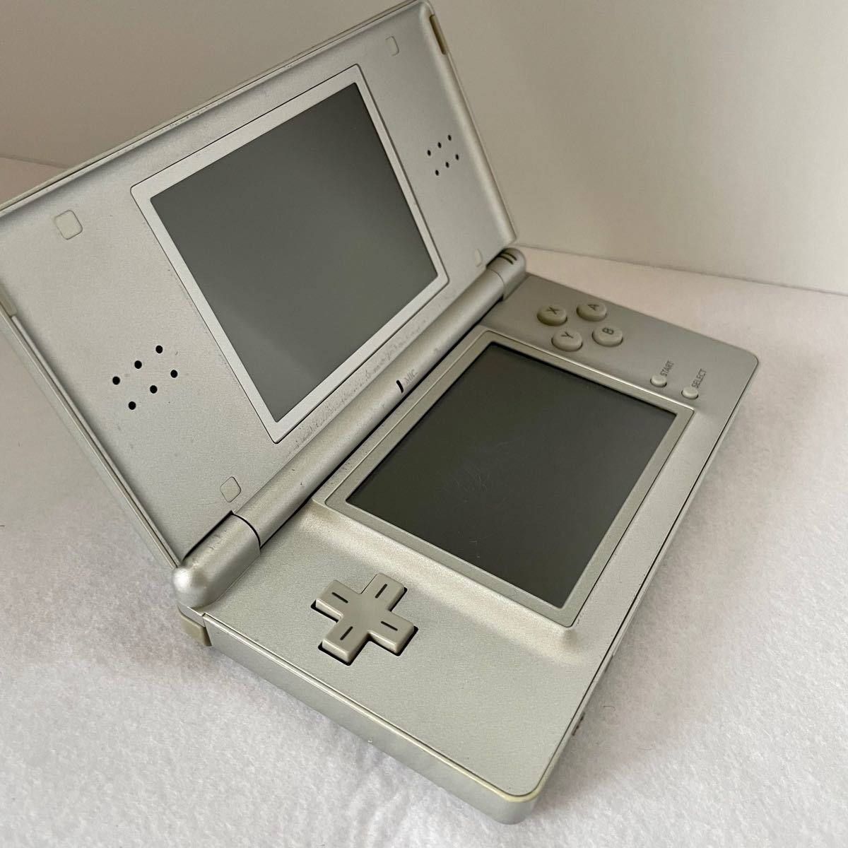 DS Lite 本体 ニンテンドーDSライト ニンテンドーDS Lite がんばれゴエモン ソフト ACアダプター付き セット
