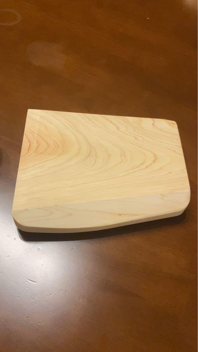 カッティングボード ひのき いい香り キャンプで使える 丈夫 木製足つき台 まな板 ディスプレイ用 DIY ソロキャン