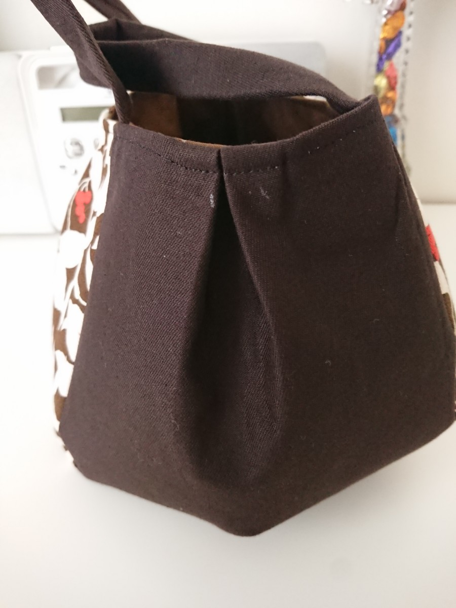ハンドメイド トートバッグ  茶色です。