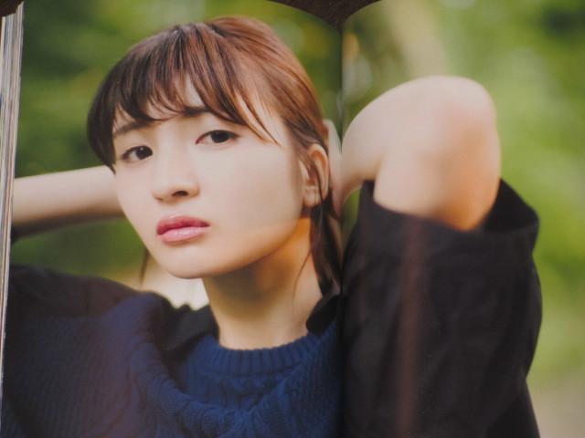乃木坂46 井上小百合 ファースト写真集 「存在」ポスター付き 生写真付き 帯付き