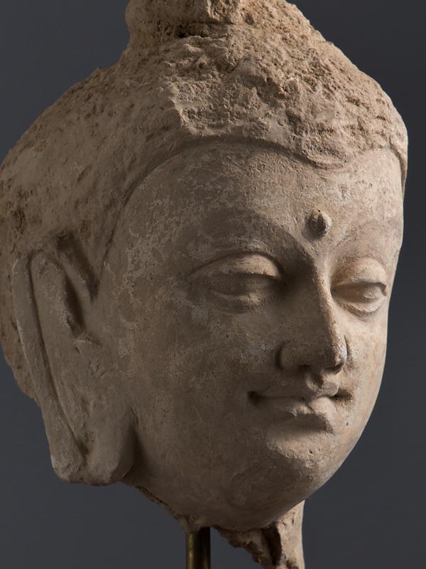 【五】ガンダーラ美術 仏頭 ストゥッコ 4世紀 台座付