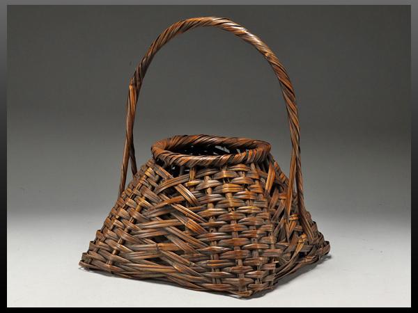 【静岡】295W 明治期頃 竹製 持ち手付き 花籠 花生け 高さ33㎝ ia