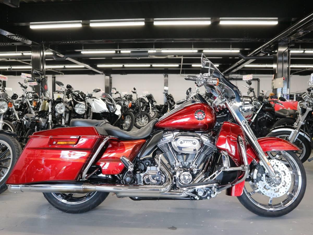 「〇ハーレーダビッドソン FLHRSE5 ロードキング 2013年モデル 27805km ETC1.0 社外マフラーバックギア他諸費用込 269.98万+送料ケーズバイク」の画像1