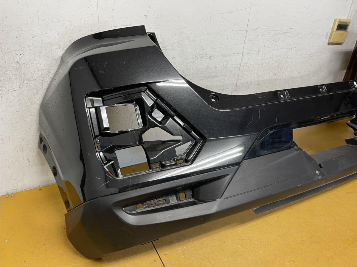 トヨタ A200A/A210A ライズ 純正 リアバンパー リヤバンパー 52169-B1030 黒メタ_画像5