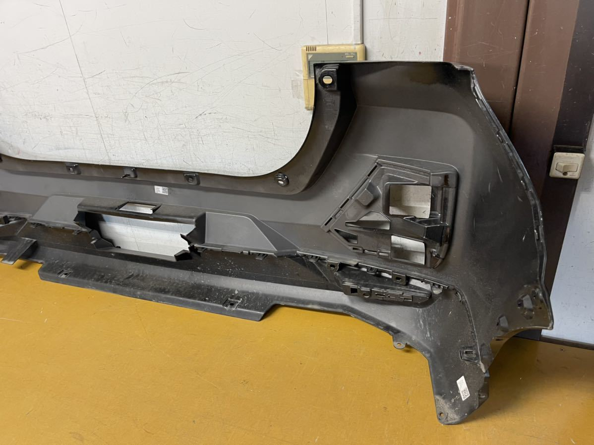 トヨタ A200A/A210A ライズ 純正 リアバンパー リヤバンパー 52169-B1030 黒メタ_画像8