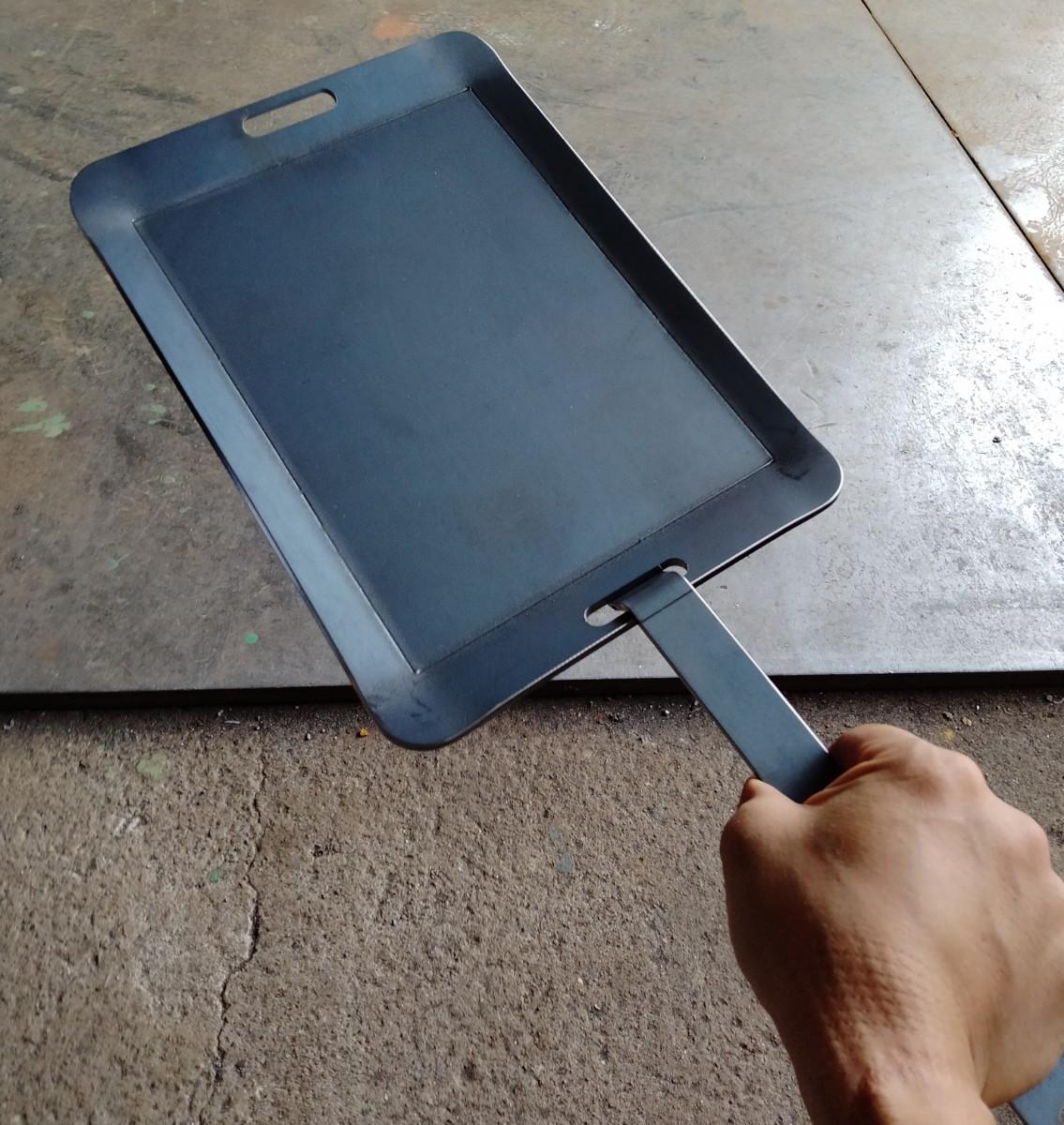 鉄板 BBQプレート  4.5mm  A4サイズ キャンプ バーベキュー ソロ
