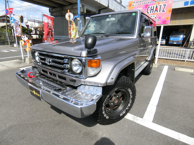 返金保証付:平成12年 トヨタ ランドクルーザー70 4.2 ZX ディーゼル 4WD 外品16AW リフトア@車選びドットコム_画像の続きは「車両情報」からチェック