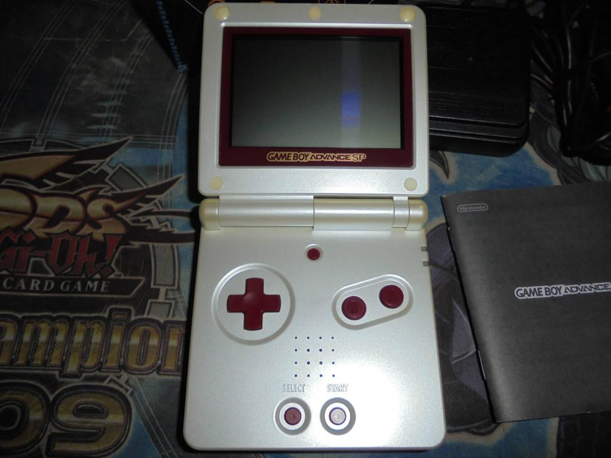 ゲームボーイアドバンス SP ファミコンカラー AGS-001 動作確認済み ファミコン GBASP