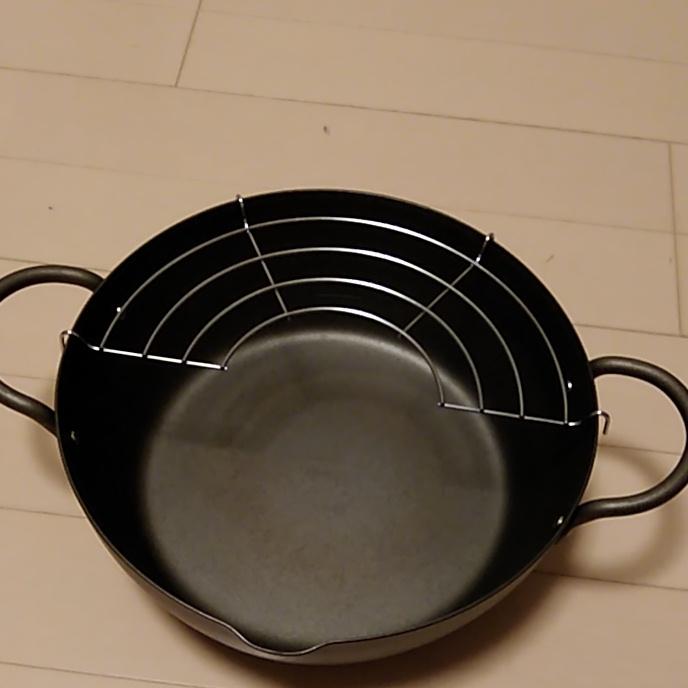 天ぷら鍋  揚げ物鍋 IH対応 鉄製 浅型両手鍋22cm 網付き 外箱・説明書あり IH・ガスコンロ等含め全ての熱源に対応