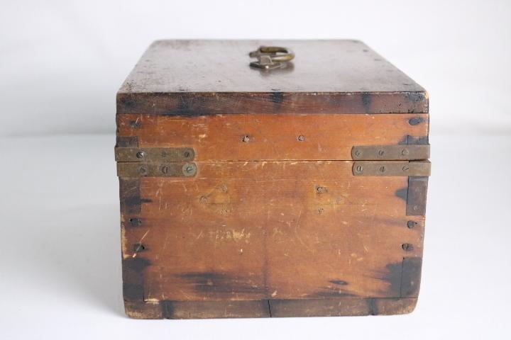 TB526真鍮金具の木箱 ビンテージ ウッドボックス◇小箱/BOX/収納/道具箱/小物入れ/インテリア/雑貨/容器/シャビー/古道具タグボート_画像9
