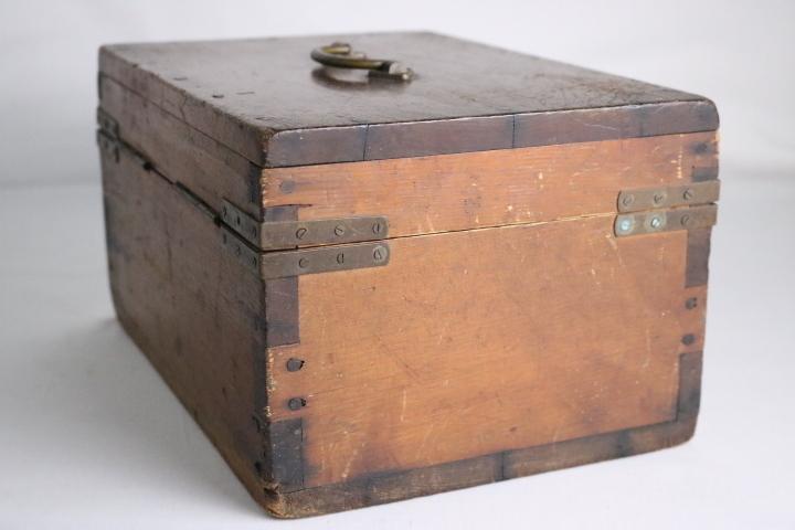 TB526真鍮金具の木箱 ビンテージ ウッドボックス◇小箱/BOX/収納/道具箱/小物入れ/インテリア/雑貨/容器/シャビー/古道具タグボート_画像7