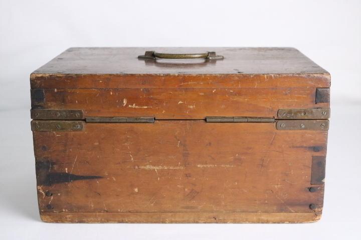 TB526真鍮金具の木箱 ビンテージ ウッドボックス◇小箱/BOX/収納/道具箱/小物入れ/インテリア/雑貨/容器/シャビー/古道具タグボート_画像8