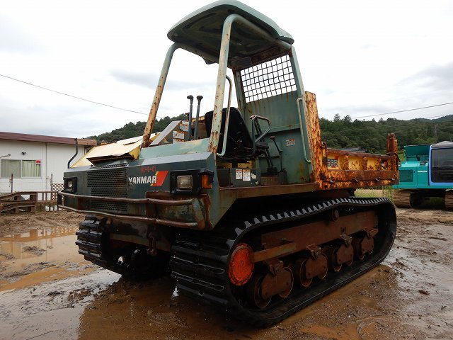 「中古 建設機械 重機 キャリー ヤンマー製 YANMAR C60R 2型 2380Hr」の画像1