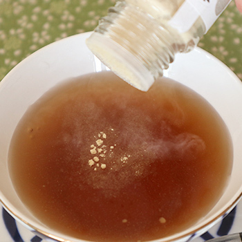 国産100%蒸し生姜粉末 8g×10個セット 高知県産とさいち大生姜 蒸ししょうがパウダー 送料無料 お茶 敬老の日 2021 ギフト プレゼント_画像3