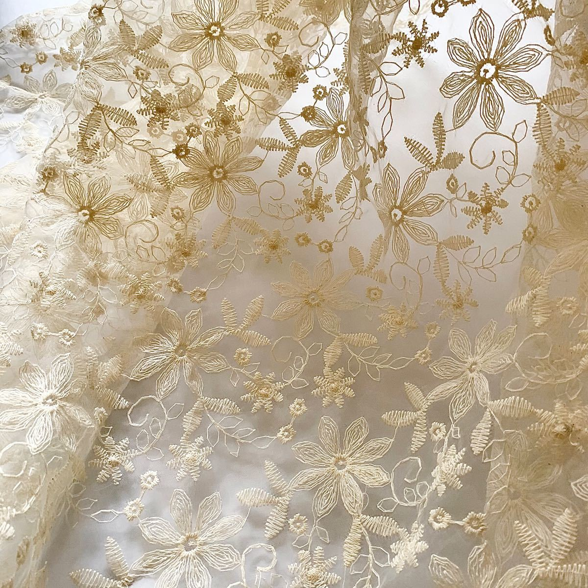 チュールレース コットン 綿 刺繍生地 はぎれセット 花柄 布 ハギレ