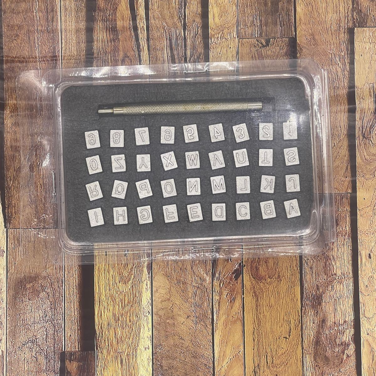 レザークラフト 刻印 6mm 英字 数字 アルファベット 打刻印ポンチ セット