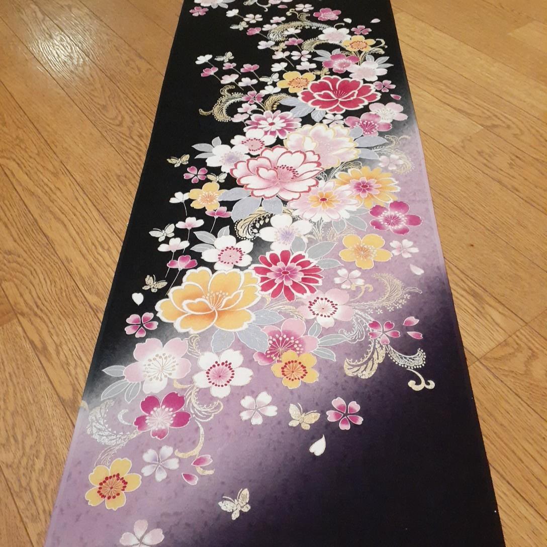 正絹 92407 黒色 紫色 花柄 シルク230cm はぎれ ハギレ リメイク ハンドメイド