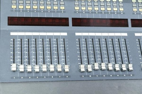 【引取限定】 YAMAHA DM2000 Ver.2 デジタル ミキサー オーディオ ヤマハ 中古 直 T5866229_画像7